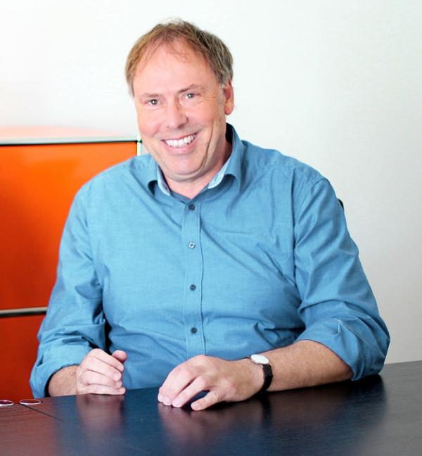 Roman Diederich ist studierter Humanmediziner.